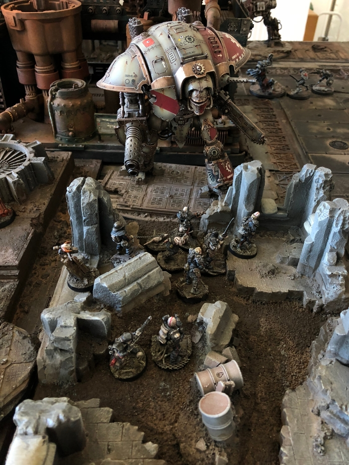 The Hounds are fearless in close proximity of their Astartes masters...